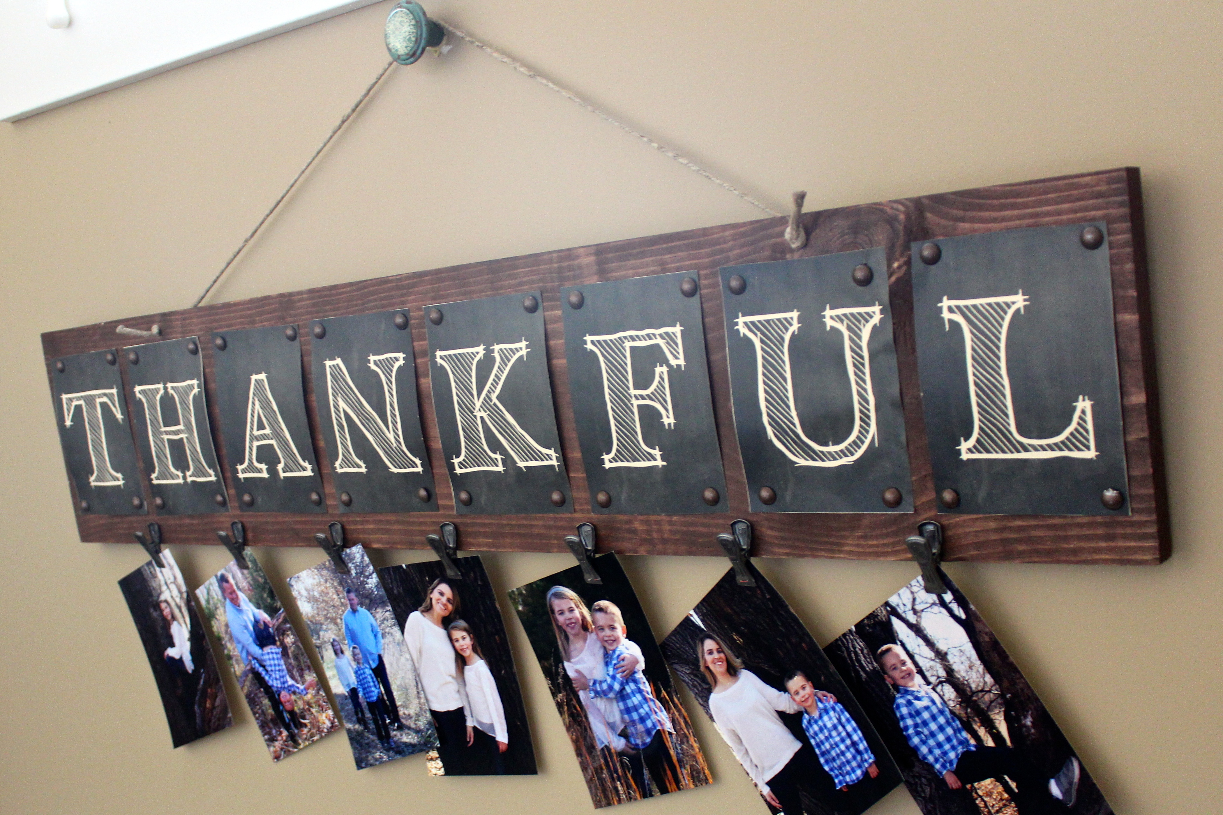 Wooden Thankful Wall Board